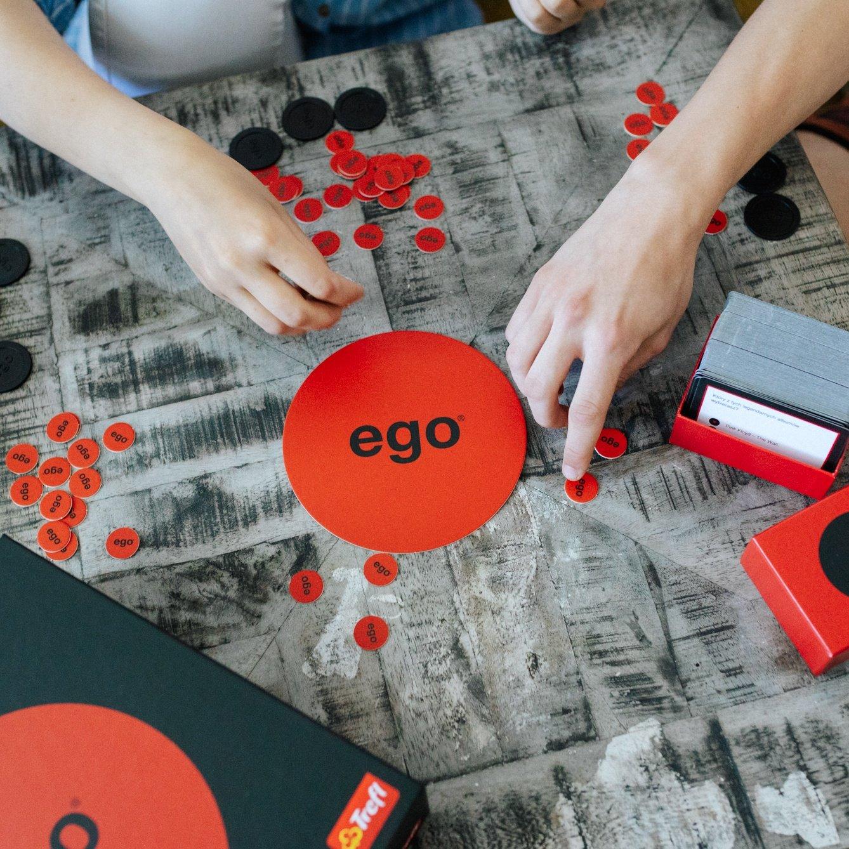 EGO - na czym polega popularna gra oraz jakie są jej rodzaje